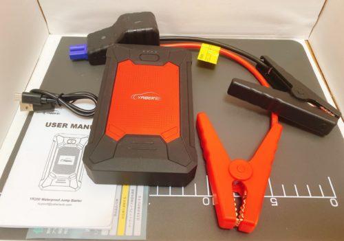 YABERのモバイルバッテリージャンプスターターの一式